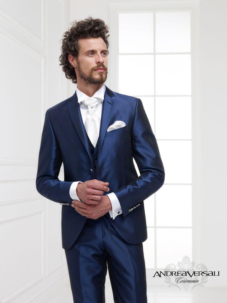 L'abito che ogni donna vorrebbe che il proprio uomo indossasse, Andrea Versali Cerimonia è un marchio giovane, per l'uomo vivace ed elegante, mascalzone e gentiluomo..