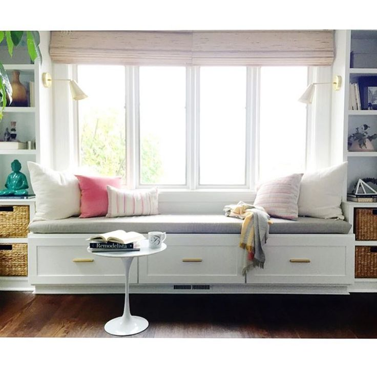 1000 images about window seats reading nooks on Window seat reading nook