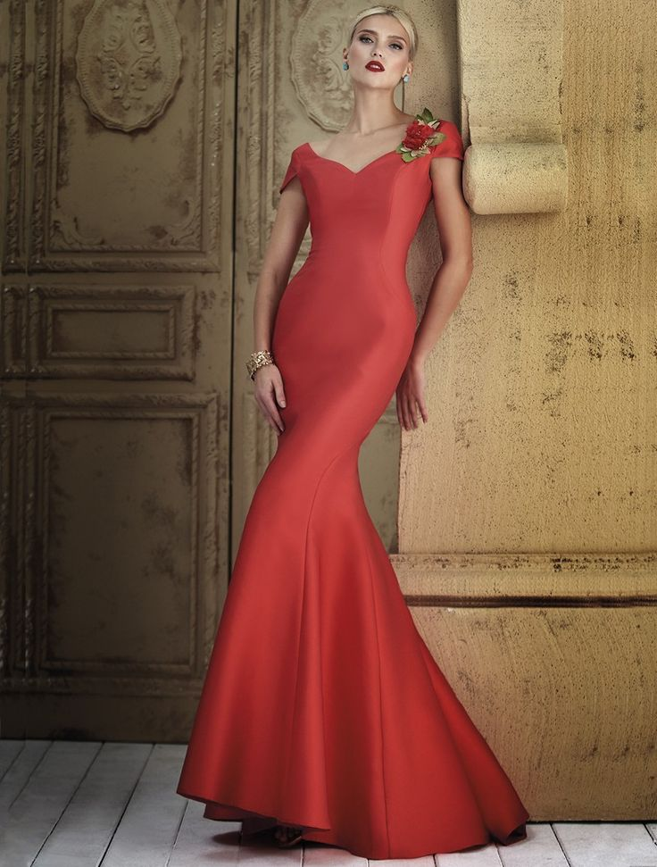 Lange avondjurk in zeermeerminmodel in satijn met hartvormige bustier - 100% Polyester  We raden aan deze jurk te laten wassen door de droogkuis of eventueel handwas