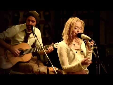 Lisa Ekdahl - Happiness is brief (Live at Studio Atlantis) - YouTube
