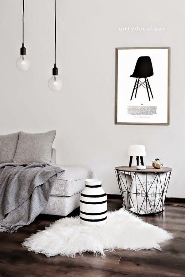 Las alfombras de pelo están de moda y las podemos ver como colcha, a los pies de una mecedora o sobre una silla. ¿Os gustan?