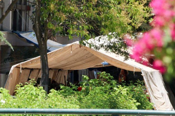 Κατασκηνωτές του Camp «No Border» κατέλαβαν τη Φιλοσοφική Σχολή του ΑΠΘ