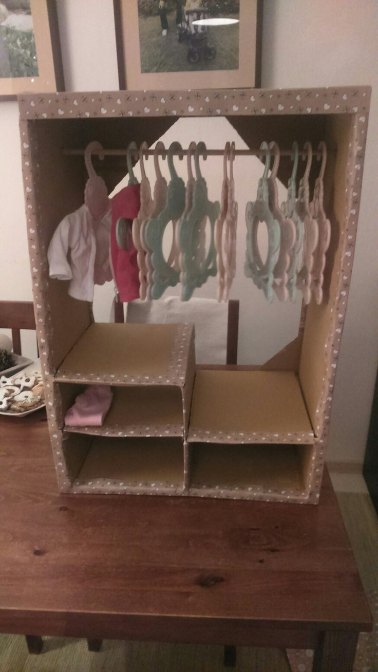 Wardrobe for dolls
