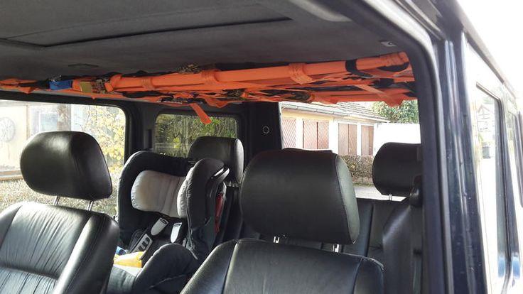 Hallo ZusammenMich hat es genervt das dauern irgendwelches Zeug ( Arbeitsjacken, Arbeitshosen, Decken, Bergegurt usw) durchs Auto geflogen sind. Daher habe ich ein kleines GepÄcknetz ins Dach gebaut. Die Schienen sind an den originalen Verschraubungen angebracht und die Sitzh�he ist  imme...