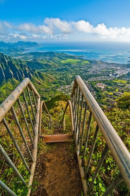 Haiku Stairs - *** WARNING. CLIMBING THIS AWESOMENESS IS ILLEGAL ***  The Haʻikū Stairs, also known as the Stairway to Heaven or Haʻikū Ladder, is a steep hiking trail on the island of O'ahu.