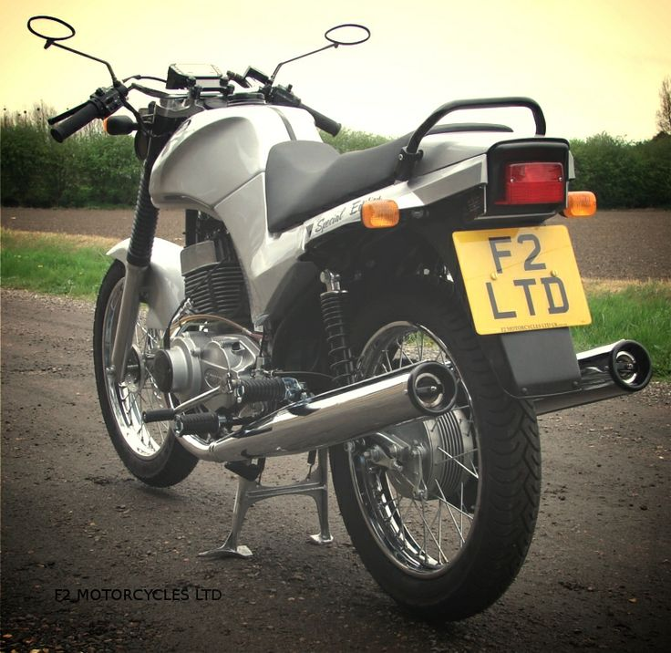 Silver Special Jawa by www.jawamotorcycles.co.uk