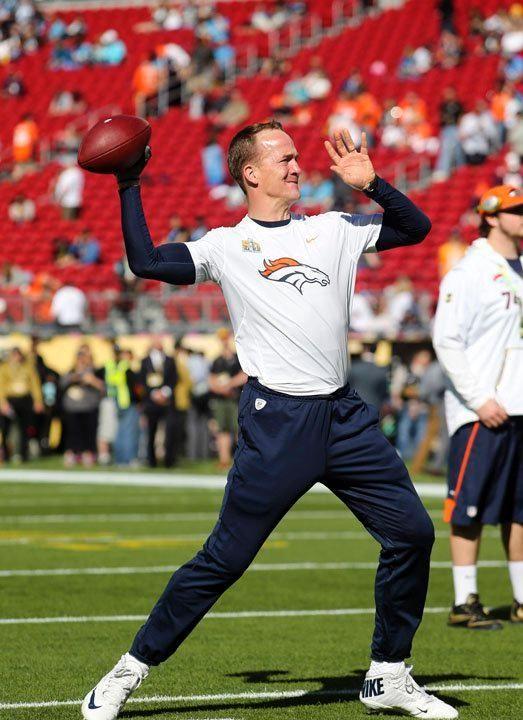 Pregame vs. Panthers: Broncos arrive at Super Bowl