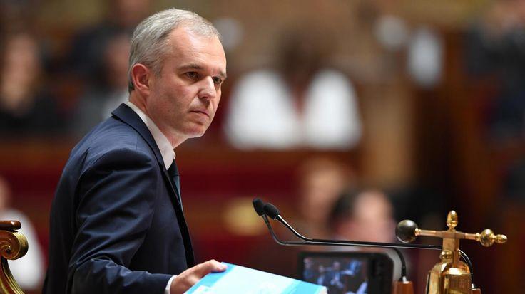 Interrogé par France Bleu Loire Océan mercredi, le président de l'Assemblée nationale, François de Rugy, affirme qu'il ne démissionnera pas forcément de son poste à mi-mandat, comme l'a annoncé Richard Ferrand.