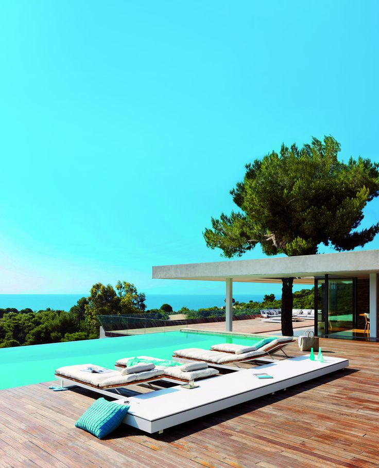 The uniquely beautiful infinity #pool of #Villa4Elements on #Skiathos #island, invites you to dive in or relax by it, while admiring the panoramic views to the blue of the sea. http://www.tresorhotels.com/en/hotels/61/4-elements-villa