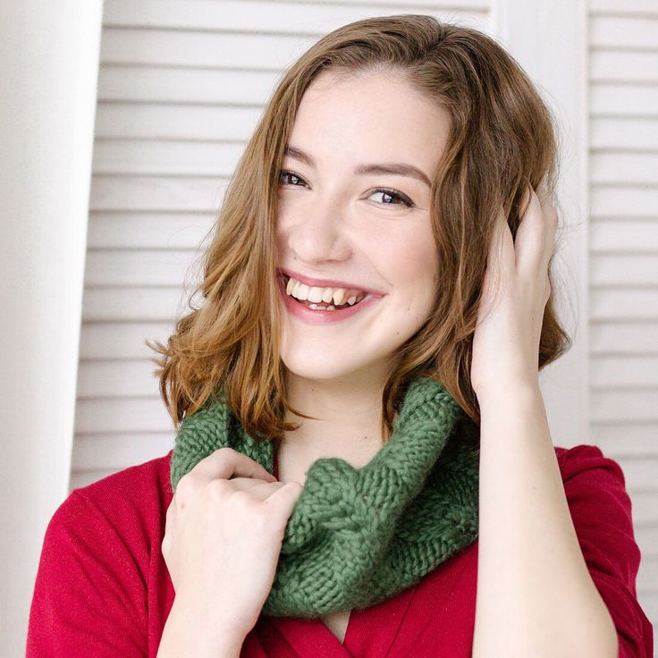 Giveaway on my INSTAGRAM; @yulianilsen  Enter and win this cozy cowl !