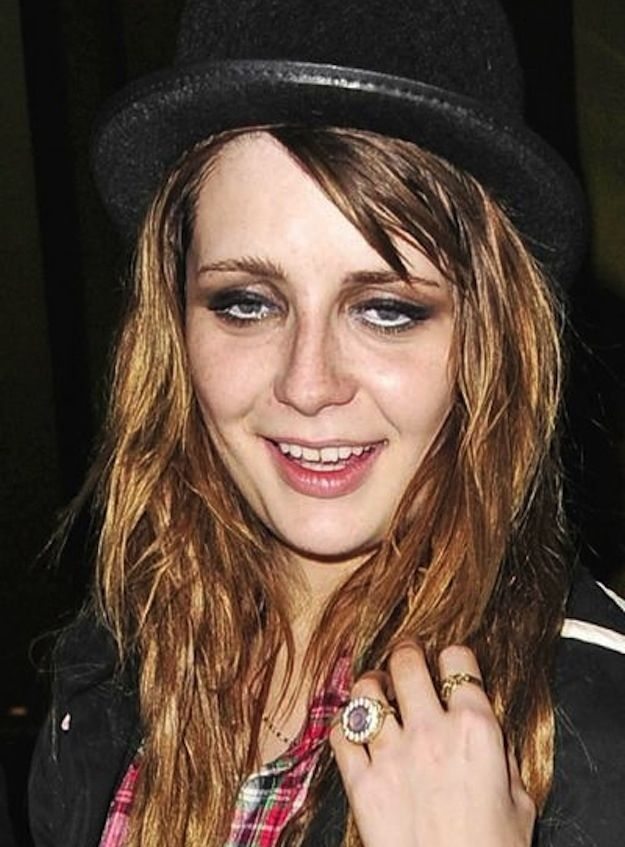 This one literally made me laugh out loud. Mischa Barton   Drunk Celebrity Hall Of Fame