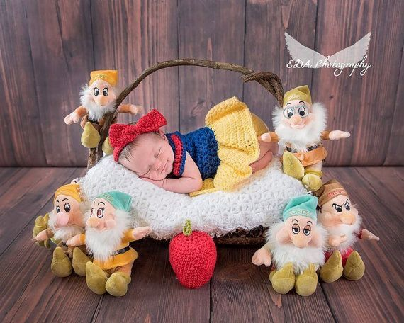 Snow white newborn photo