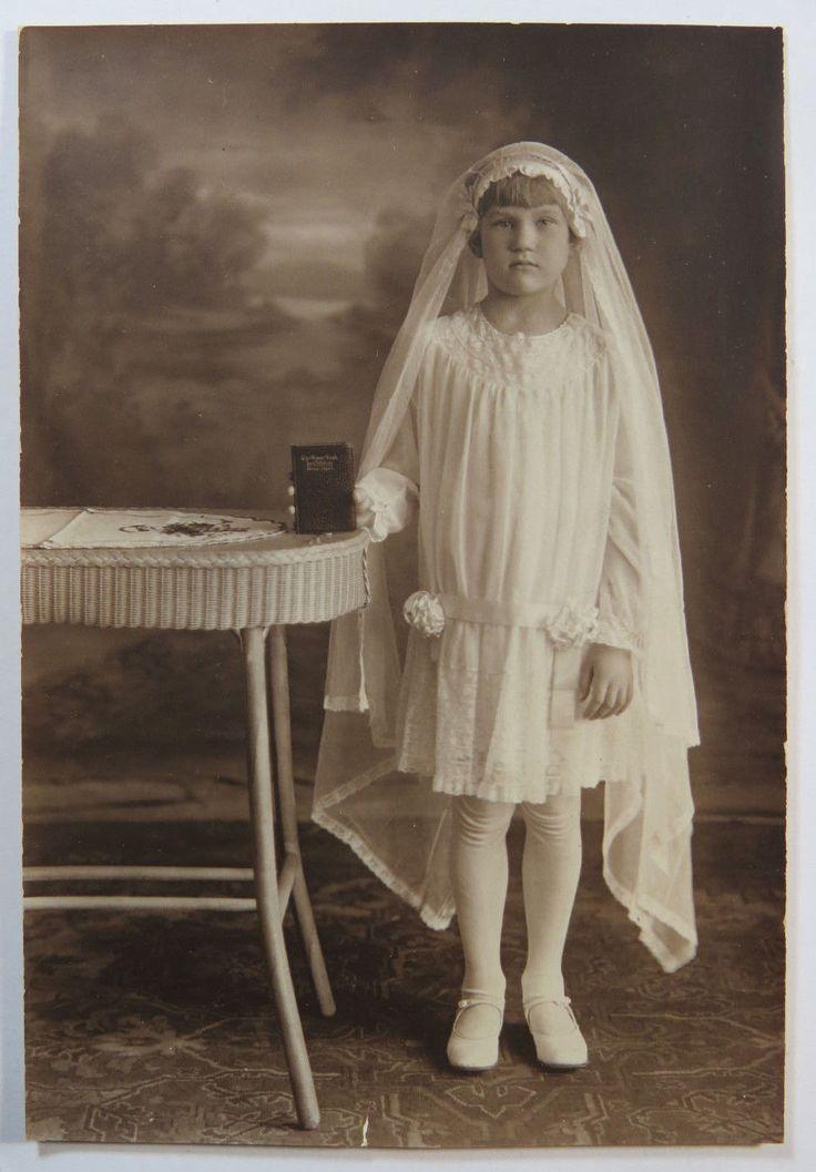 Антикварная черно-белая фотография религиозных-первое причастие, девочка в платье и фата | eBay