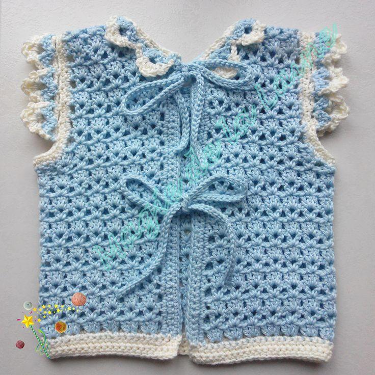 Gilet ourson sans manches avec fermeture au dos par des cordes. Modèle et kit à crocheter ici: http://www.magiedelalaine.com/kits-tricot-layette/220-kit-a-crocheter-gilet-ourson-sans-manches.html