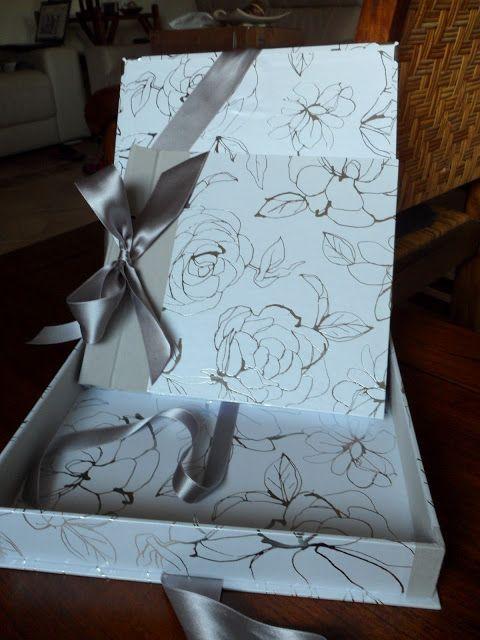 Libro de firmas y caja para una boda