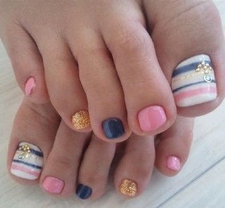 Toe Nail Art Ideas / Halloween colors: pink=orange navy blue=black with gold/silver polish