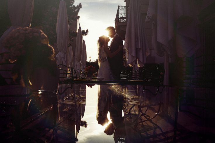 Photos de couple des mariés au coucher de soleil à Vevey