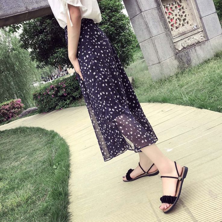2018 New Mules Shoes Women Summer Solid Flower Slippers Ladies Round Toe Comfortable Flat Hee…