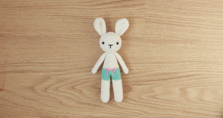 Hello! I'm J.A. Poolvos from Little Bear Crochets and I've prepared a free pattern for you. It's a perfect project to busy yourself with during the upcoming Easter weekend! Using the recommended yarn and hook, this bunny will turn out to be 20 cm (7.8 inches) tall. However, you can use any other type of …
