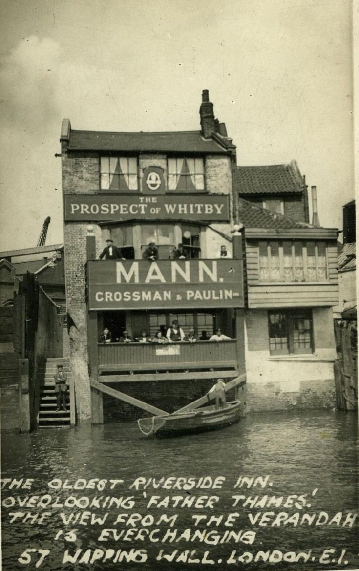 In Pictures: Parts Of London Lost To History - A fascinating look at the city of yesteryear.