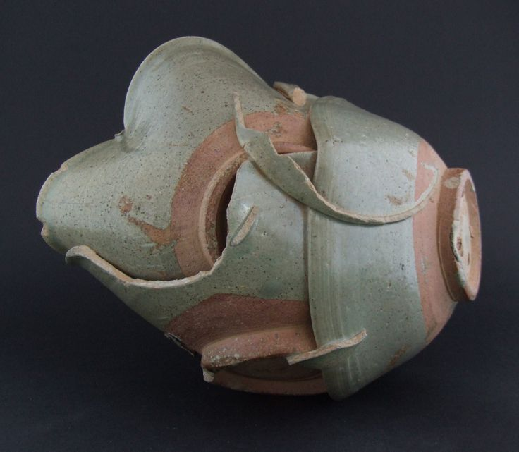 THAI 14th - 16th CENTURY Si Satchanalai Kilns A Thai Celadon Kiln Waster, Si Satchanalai Kilns, 14th to 16th Century. Comprised of a Group of Celadon Stoneware Bowls and Parts of Bowl. Si Satchanalai / Sawankhalok : The Si Satchanalai kilns on the river Yom in north-central Thailand are to the north of the town of Sawankhalok. When I started studying oriental ceramics Sawankhalok was the name used to describe the high-fired stoneware that is now known to have come from Si Satchanalai.