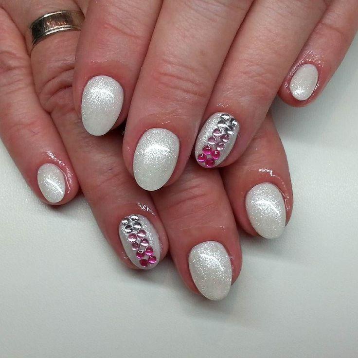 #notpolish #nails #nailart #naildesign #nails2015 #crystalnails #nailstagram #crystals #glitter #instanails #instagood #nagel #naildecor #instadaily #mik #ikozosseg #nailoftheday #2016 #nails2inspire #köröm #műköröm #handpainted #gellak #körömdíszítés #likeforlike #nailartaddict #almondshape #ombre #whitenails #spring2016 by bixteenanails