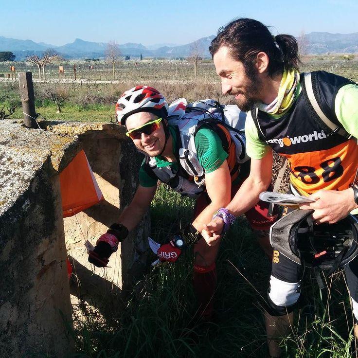 Participants del 3r Raid Ilercavó organitzat per @lacameta a Ginestar (Ribera d'Ebre) 14aCopa Catalana de Raids dEsports de Muntanya de la @feec_cat  #RaidIlercavó #Ginestar #RiberadEbre #TerresdelEbre #RaidEsportsMuntanya #RaidAventura  #caiac #trail #cursaorientacio #btt #rapel #espeleologia #espeleo  #vidaactiva #esportur #esportour #EsporTourEbre #ebreactiu