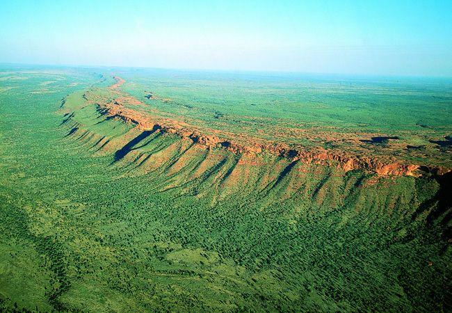 Kings Canyon - Australia www.spectrumholidays.com.au