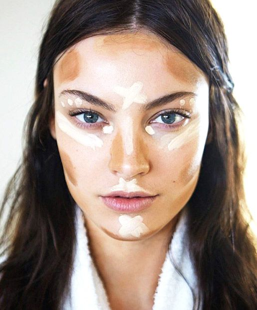 5 Ahhh-mazing Contouring Tutorials Learn the art of using makeup to sculpt your face in these contouring how-to videos for different face shapes and skin tones