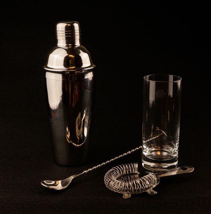 grundausstattung f r die hausbar teil 2 pinterest hausbar spirituosen und bar. Black Bedroom Furniture Sets. Home Design Ideas