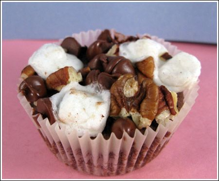 our school had a bake sale, and one of the best selling items was a brownie baked in a muffin tin.  I didn't get to try one, but the kids loved them.    A few weeks later, I found a recipe for fudge brownie muffins.
