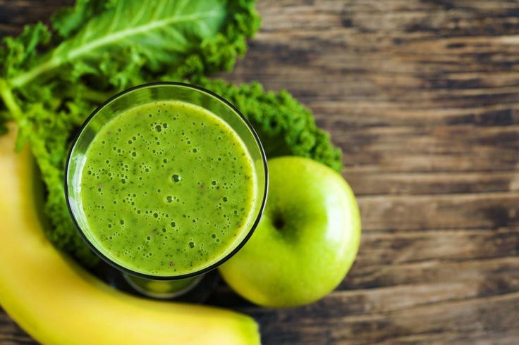 How Drinking THIS Green Juice Every Day Helped This Man Lose 40 Pounds  What Is Green Juice?  Green juice is a mixture of the juice from green vegetables and sometimes a little fruit, herbs and other superfoods. To make green juice, you'll use a juicer or a pre-made green juice powder, like Organifi.