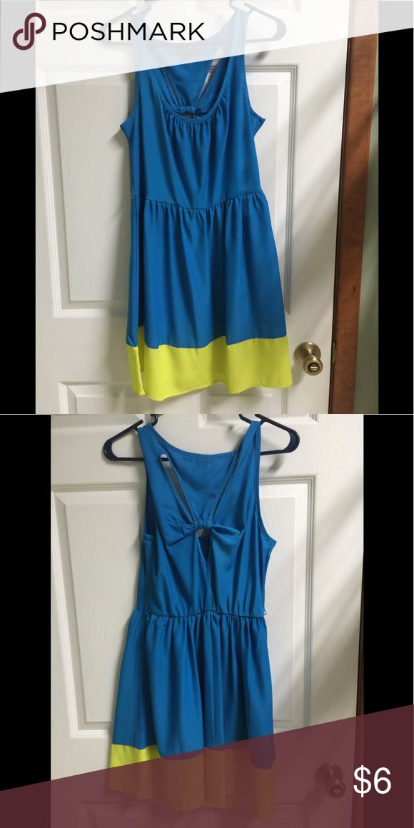 Sequin Hearts dress (size 7) bright blue & neon yellow dress with a cute keyhole detail and a bow on the back (size 7) Sequin Hearts Dresses Midi
