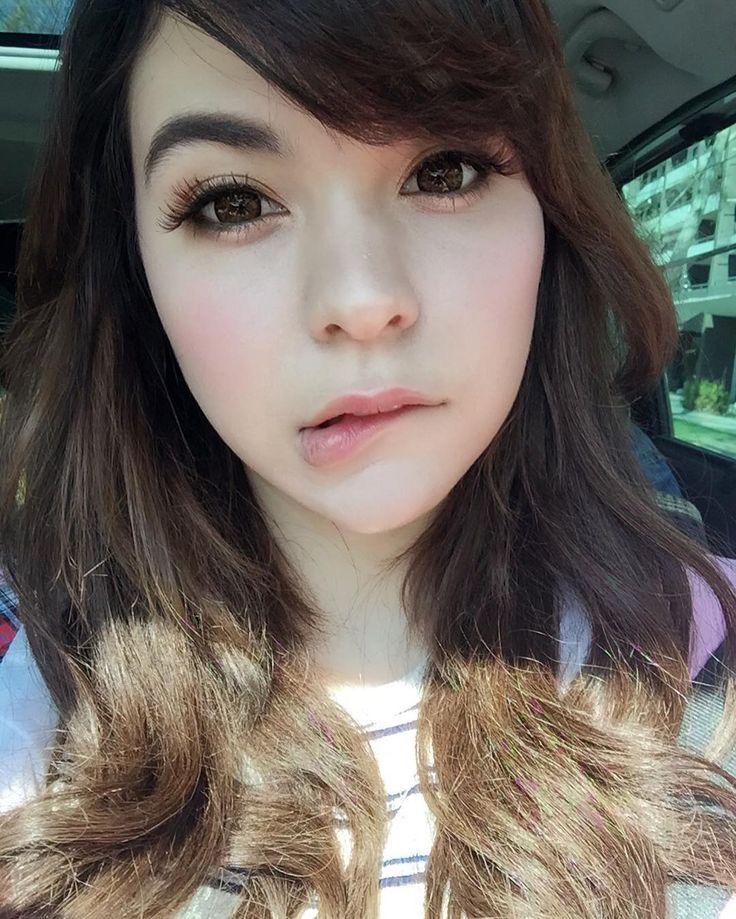 #selfie Aquí camino a la sesión de fotos, manden ánimooooo!! Voy a ocupar el stories (el snapchat del instagram?) para que lo veaaaan El maquillaje me lo hizo @mishits y quedé como china anime