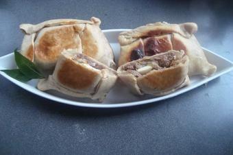 Empanadas con carne mechada