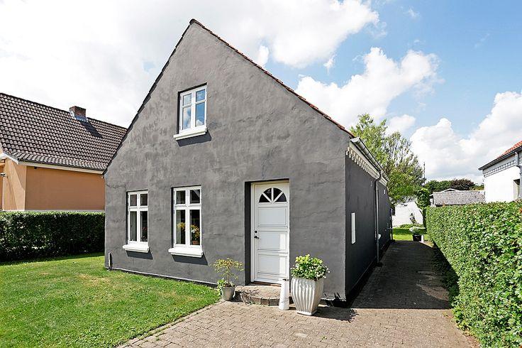Villa på 92 kvm.i Horsens til salg hos RobinHus. Nu kan vi tilbyde rigtig dejlig villa med super lækkert nyt ... Klik for fotos af boligen.