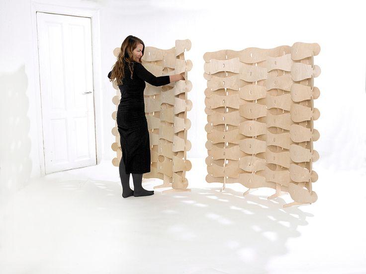 'Veneer' – wood screen in birch veneer. 'Veneer' is a fusion of textile and wood. The birch veneer is transformed into enlarged fibers in a textile weaving. // Skærmvæg i birkefinér. Design: Else-Rikke Bruun Photo: Birgitte Røddik