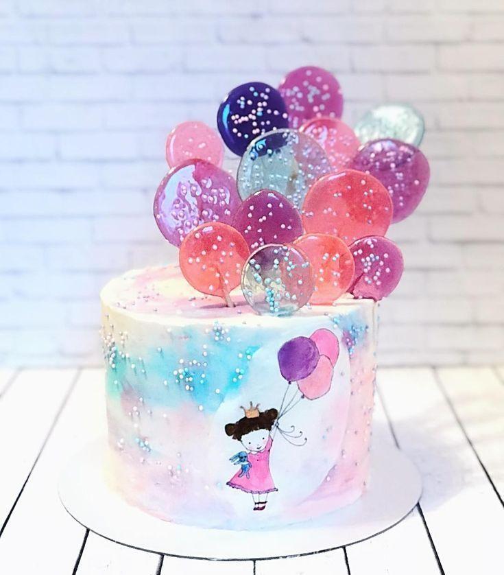 Ein zarter Kuchen zum Geburtstag einer kleinen Prinzessin. Im Inneren schmilzt es …   – baby kuchen