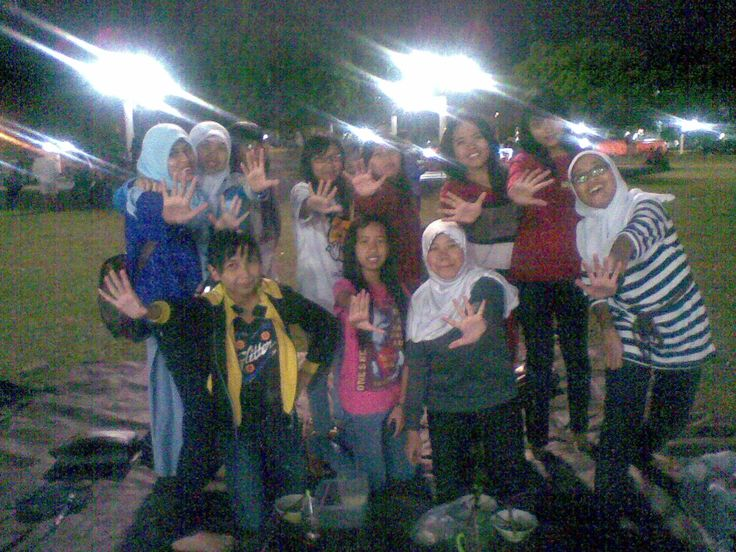 me with some of ELF Magelang .. @AnindyaWE @elfmaulitaa etc♥♥