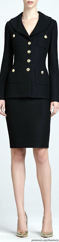 St. John ● Shawl-Collar Jacket & Pencil Skirt.Simply stunning. Needs a Birkin and some Black Heels