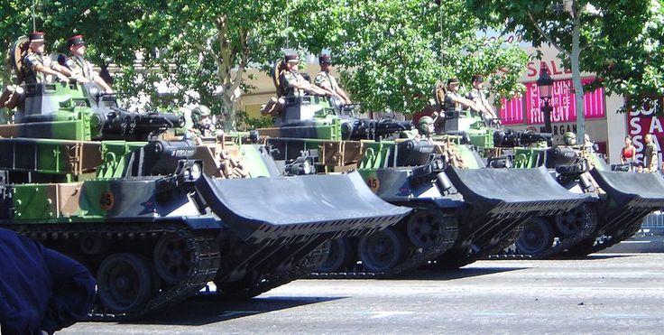 Armored bulldozer DSC00856 - Génie militaire — Wikipédia