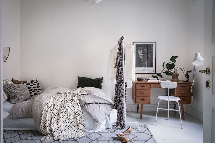 my scandinavian home: A lovely Swedish home full of contrast