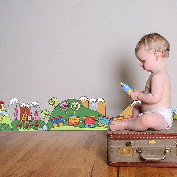 I Roll Decor Kids sono bordure adesive adatte a decorare la cameretta di un bambino. Adesivi semplici da applicare e rimuovere.
