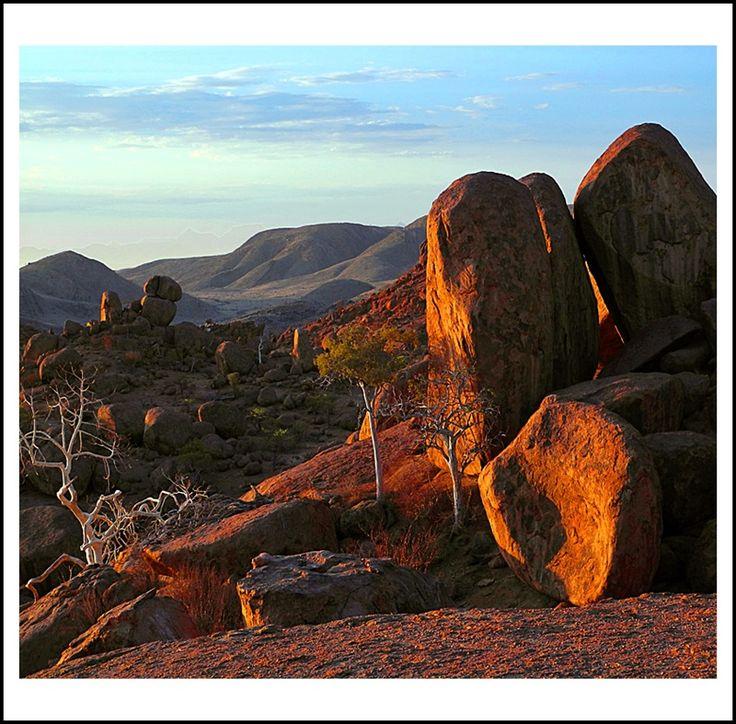 Mowani Mountain Camp: Sunset from Mowani's sundowner* viewpoint, Twyfelfontein in Damaraland, Namibia