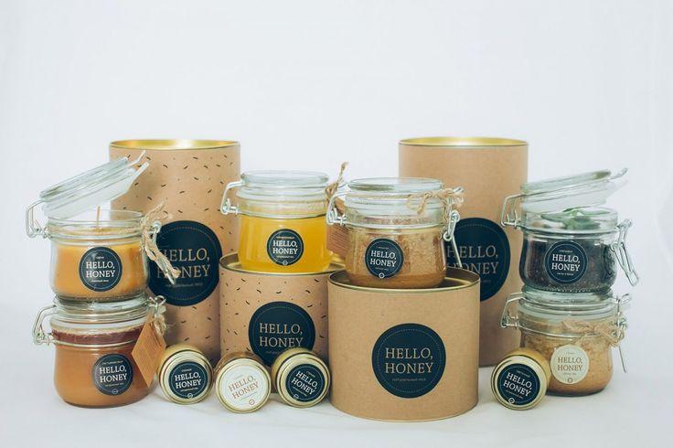 Упаковка для банок мёда — картонный тубус с жестяным крышкой и дном. Крафт этикетка с одноцветной печатью.
