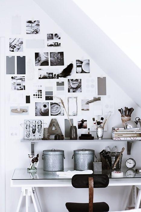 black and white workspace (via Helt Enkelt hos mig)