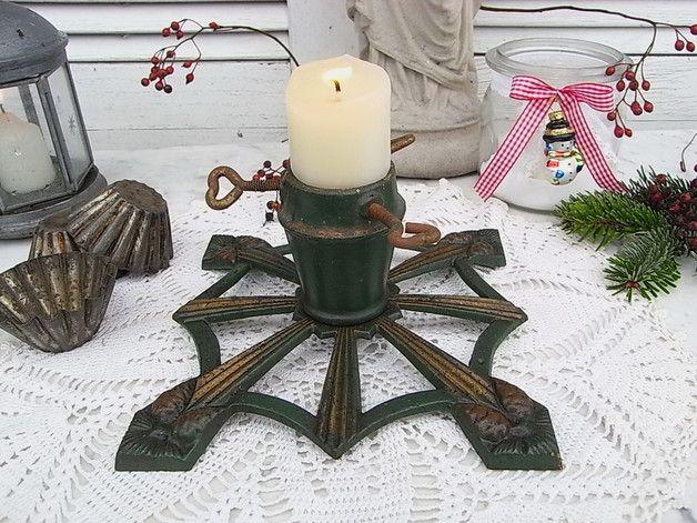 Vintage Weihnachtsdeko - zauberhafter shabby Christbaumständer antik Zapfen - ein Designerstück von artdecoundso bei DaWanda