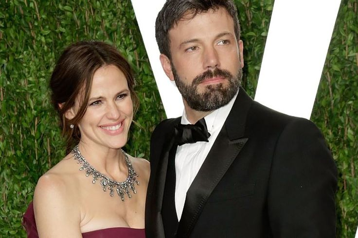 Ben Affleck and Jennifer Garner's anniversary dinner sounds like a PR stunt.