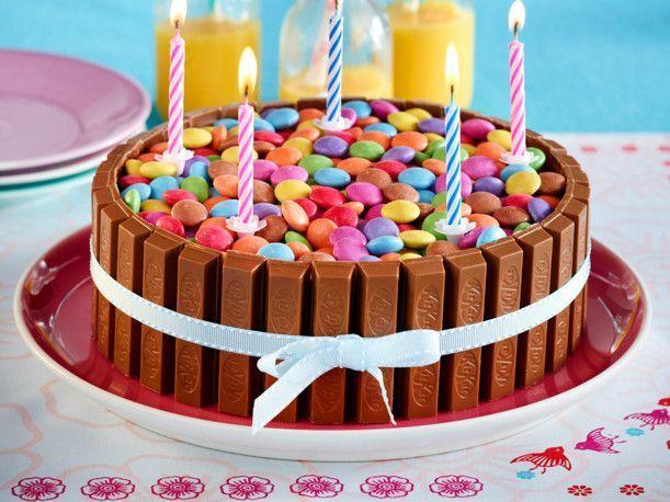 Unser beliebtes Rezept für Bunte Schoko-Knusperwaffel-Torte und mehr als 55.000 weitere kostenlose Rezepte auf LECKER.de.