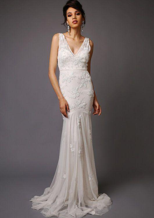 priscilla wedding dress, virgos lounge.   ekonomiczne suknie ślubne